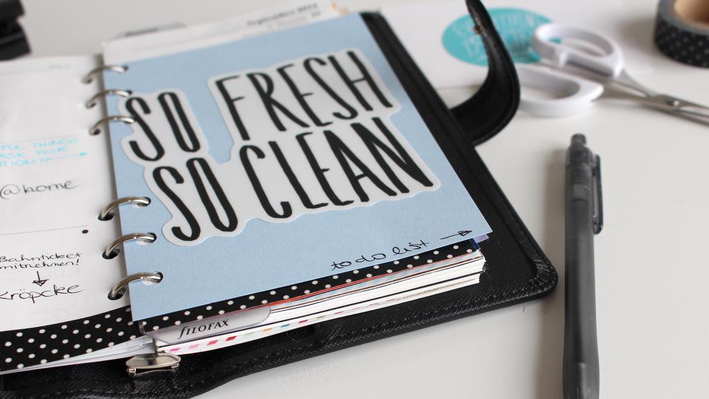 como personalizar una agenda de manera divertida, pegatinas con forma personalizada, troqueladas